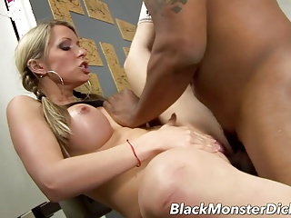 Busty Courtney Cummz Black Cock Workout