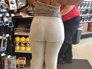 Big Black Ass in Auto store
