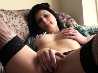 Stunning submissive fingers her pussy