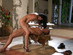 Unbelievably sexy hooker India Summer gets her mouth