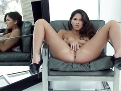 Aspen Rae with clean cunt tries