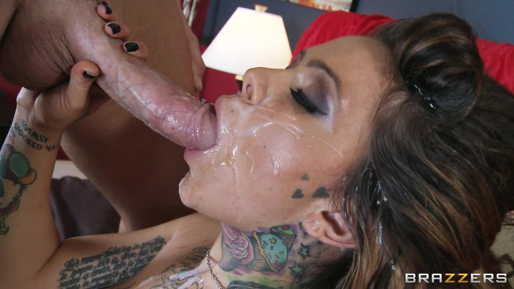 Rough Sex With The Sexy Tattooed Julia Bond