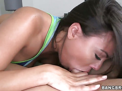 Luna Star with bubbly booty takes cumshot of her lifetime