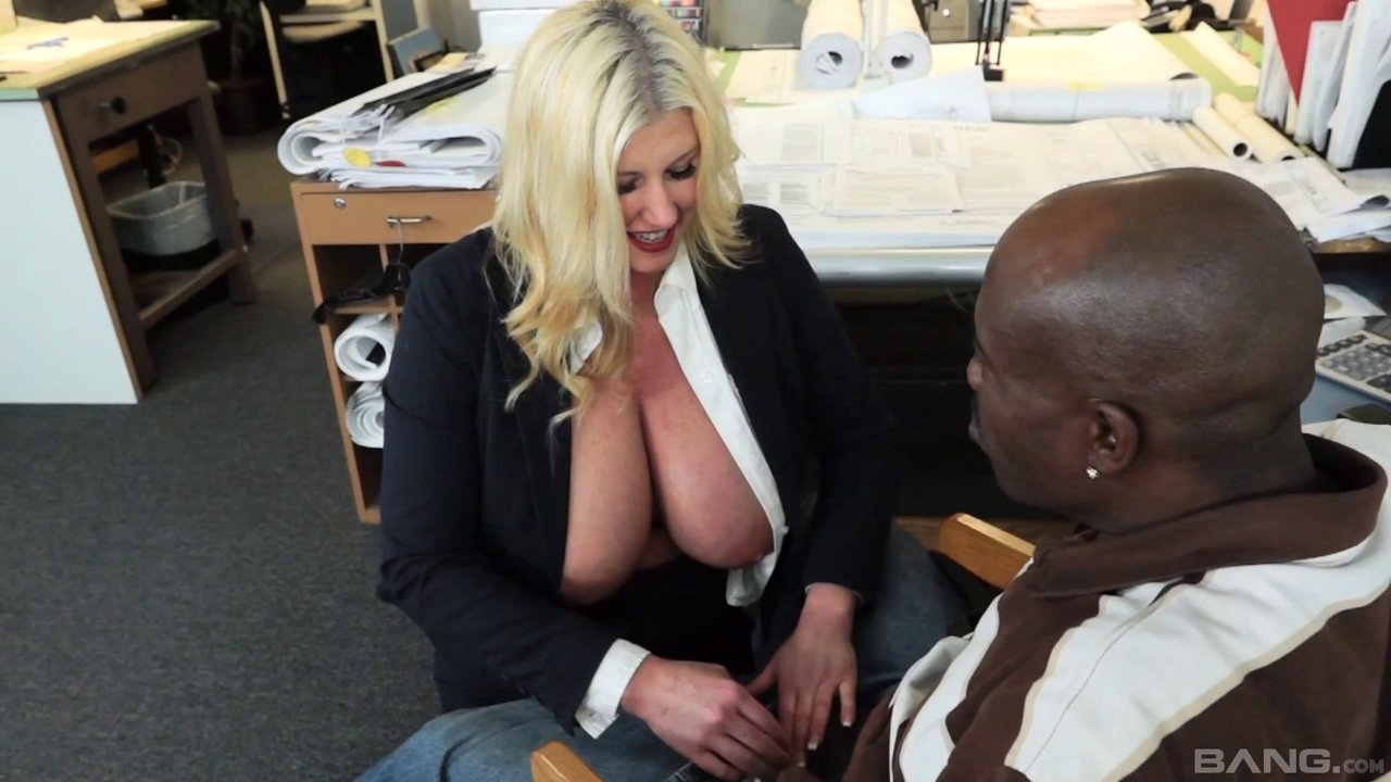 Big breasted lady Zoey Andrews seduces a black guy for a shag