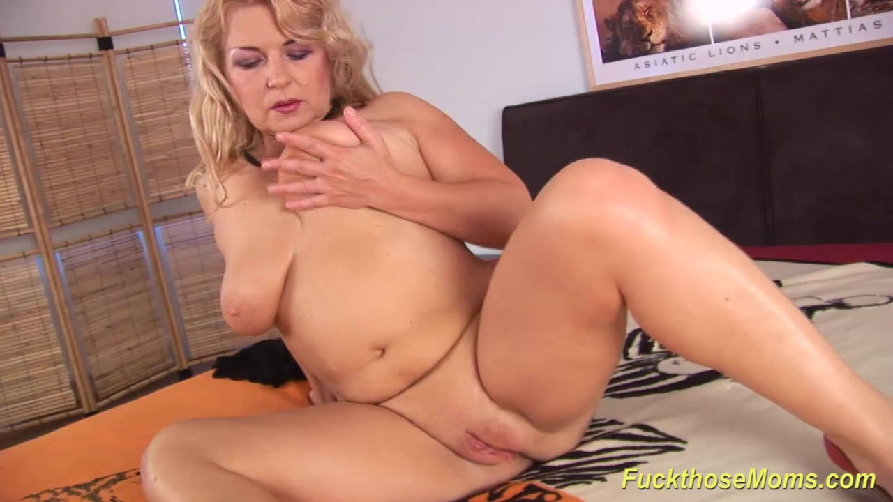 Extreme hot sex with blonde big natural breast pussy shaved
