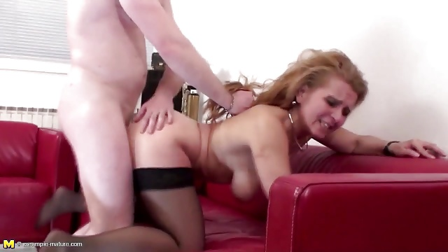 Real sexy mature mother gets anal sex and piss to mouth