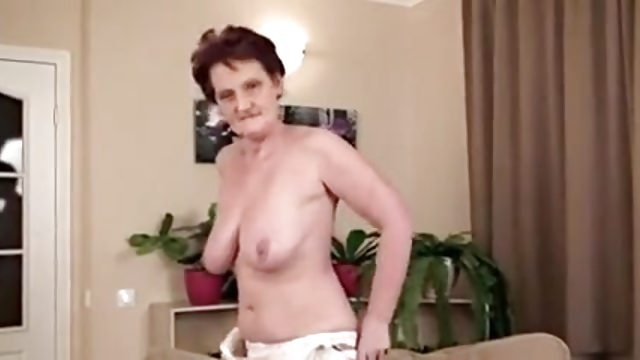Granny rubs her old snatch