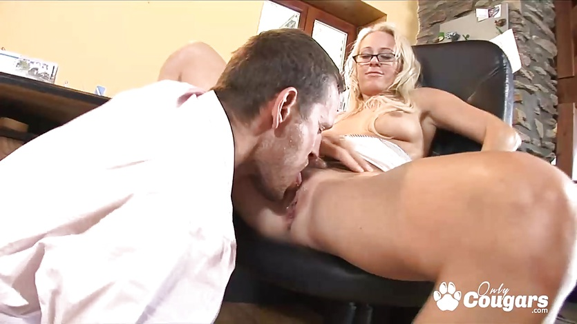 Lil blonde secretary jumping on fat cock