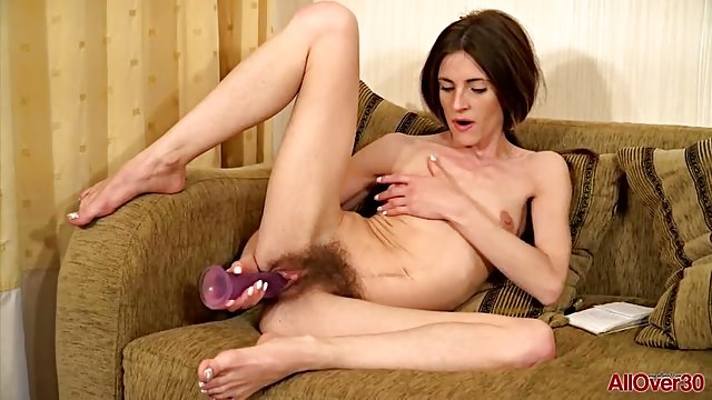Hairy MILF Olivia Arden from AllOver30