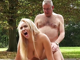 Old and Young Porn BustyTeen Gets Wet and Sucks