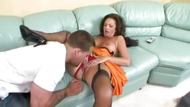 Granny gets laid in black FFN