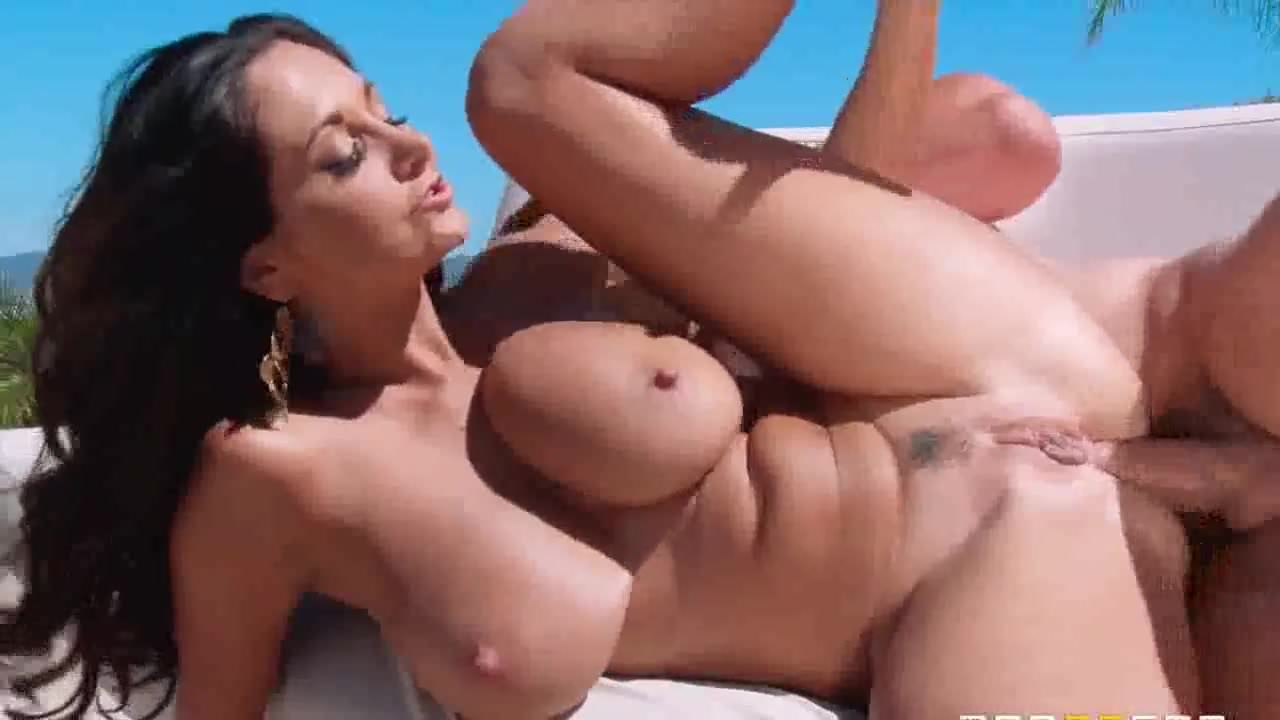Hot Mom Ava In Double Penetration - PolishViking