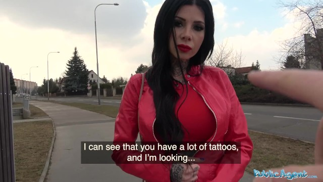 Public Agent Big Tits and tattoos fucked outside