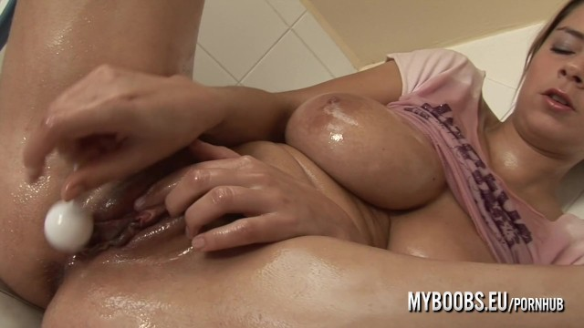 Katarina Kozy busty star oiled her boobs and pussy and play
