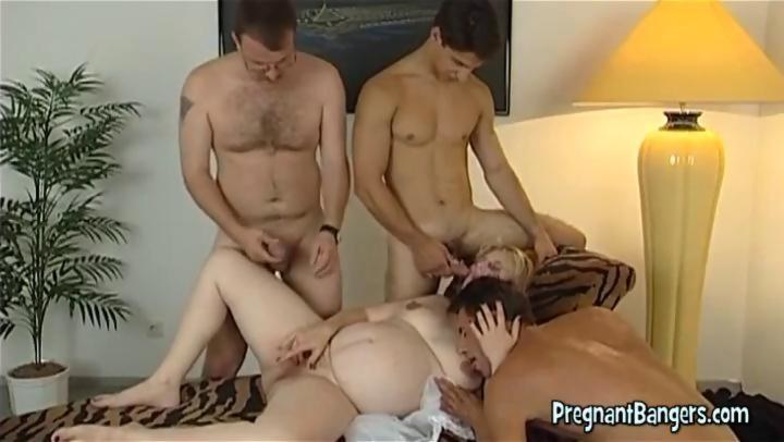 Pregnant girlfriend and three cocks - Hardsextube