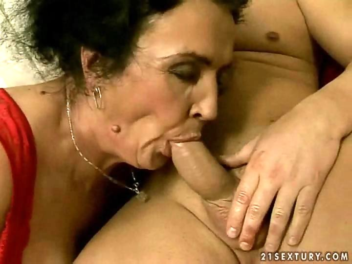 Ugly granny sucking and riding young cock on GotPorn (937577)