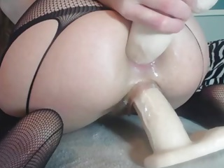 18yo Teen Stuffs Herself With Huge Dildos